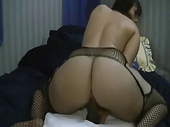 Big Booty White Girl Plays With Black Dildo