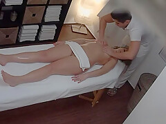 Godlike blonde gal in private amateur XXX video