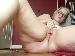 Bbw with big pussy lips