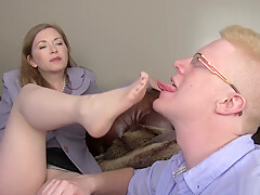 Slave worship wonderful nylon misstress feet